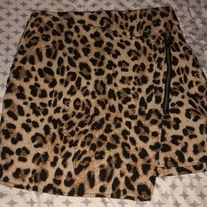 H&M Asymmetrical Cheetah Skirt Size 8 NWOT